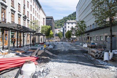 Olav Kyrres gate skulle åpnet i november. Nå blir den stengt på ubestemt tid.