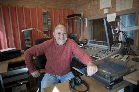 Rolf Øvretveit ble skikkelig overrasket da han kom på jobb i lokalradioen morgenen han fylte 60 år.
