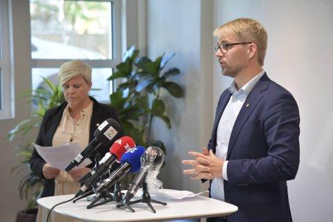Byrådsleder Roger Valhammer og helsebyråd Beate Husa.