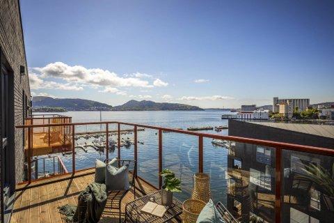 Sjøutsikt og gode solforhold gjør at prisene på Elsesro i Sandviken er skyhøye. Denne nye leiligheten på 171 kvadratmeter ble solgt for 20,4 millioner som tilsvarer 119.300 kr per kvadratmeter.