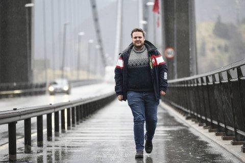 Ordfører på Osterøy, Lars Fjeldstad, har ingen planer om å stoppe bilistene som vil inn og ut av øykommunen i høst.
