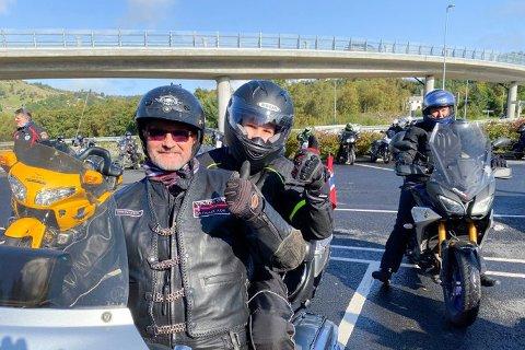 Sander Rebnord Antonsen fikk en drømmetur på Harley-en til Ståle Helgesen.