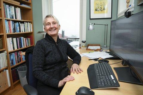 NHH-professor Karin S. Thorburn tjener godt, men sier hun kunne fått mer andre steder.