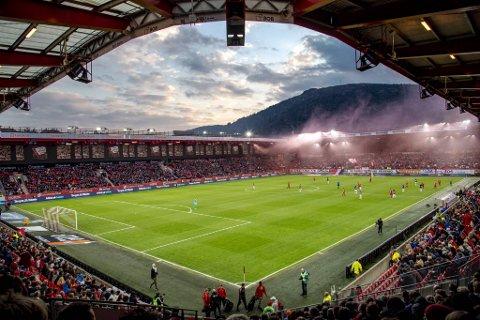 Stiftelsen Norsk Toppidrettsgymnas skal starte opp ungdoms- og videregående skole på Stadion.