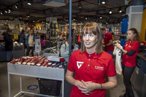 Butikksjef Anette Hansen hos G-Sport Bergen Storsenter gleder seg over klarsignalet fra Konkurransetilsynet.