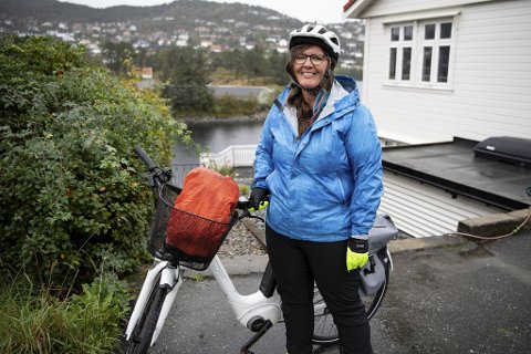 Marianne Sæhle tar sykkelen tatt for å være solidarisk overfor de streikende bussjåførene.