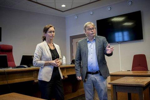 Direktør i Bergen tingrett, Anette Johansen, og sorenskriver, Arne Henriksen, bekrefter at byens rettsapparat har en noe lang kø av rettssaker som burde vært avgjort.
