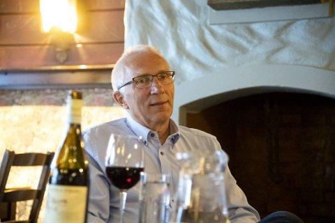 Stamkunde Helge Øvreås fra Laksevåg har gått regelmessig på Holbergstuen i 46 år og er fornøyd med at dørene igjen er åpnet.