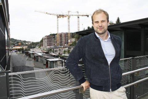 Joakim Kyrre Myklebust lover å skjerpe seg. Arkitekten som også er folkevalgt i MDG, skal føre opp sine interesser i registeret snart.