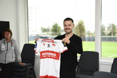 Alexander Straus ble mandag presentert som ny Sandviken-trener.