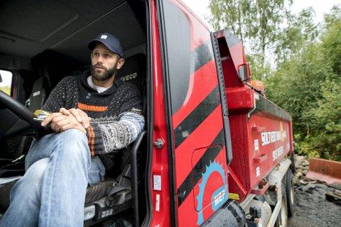Askøy-entreprenør, Rudi Soltvedt, er bekymret for fremtiden, både for hans egne selskaper og hele bygg- og anleggsbransjen.