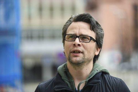 Sondre Båtstrand jobbet en periode sammen med Oddekalv, og har hatt jevnlig kontakt med ham også senere.