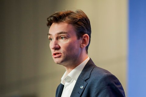 Arbeids- og sosialminister Henrik Asheim.