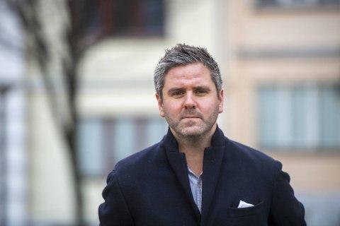 Eivind Nævdal-Bolstad, skolepolitiker i Høyre, er kritisk til at kommunen bruker så lang tid på å få Vigilo opp og gå.