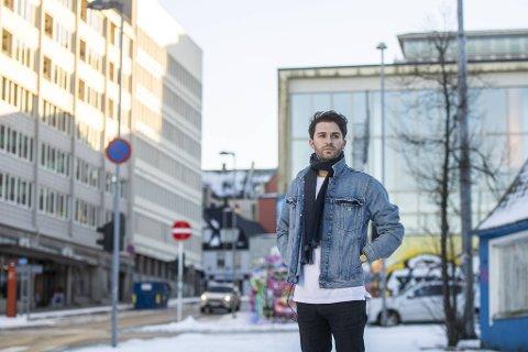 Torkel Eikevik (29) har drevet med musikk hele livet. Som liten var det gitar og sang, senere har han vært med i flere band. Så tok hiphopen ham. Nå er han på sporet av noe nytt.
