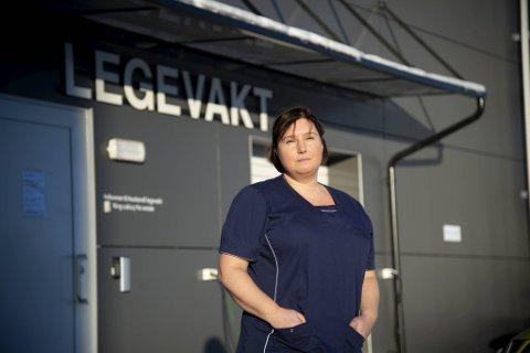 Inger Uglenes er kommuneoverlege i Austevoll, hvor hun også har en rekke andre roller som lege og leder.