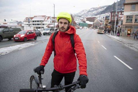 Jarle Brattespe (SV) mener sykkelløsningen som er skissert forbi Torget ikke er god nok.