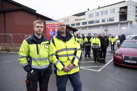Erlend Haukedal (t.v.) og Trond Polden i Heismontørenes fagforening har vært på krigsstien mot Scan Heis lenge.