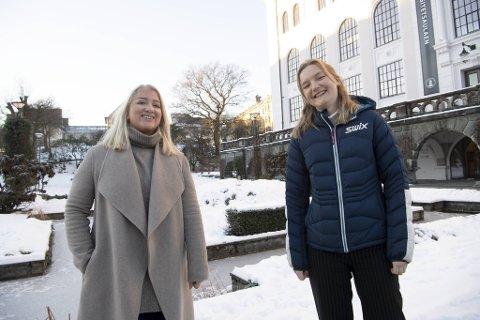 Sandra Krumvik er leder for Studentforeningen og Anette Arneberg er leder for Velferdstinget Vest. Begge er overlykkelige over at regjeringen gir ekstra penger til studentene.