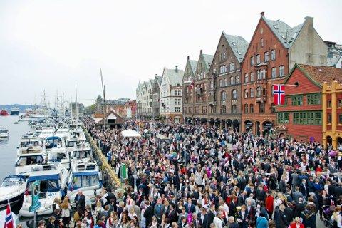 I 2013 så det slik ut på Bryggen på 17. mai...