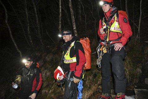 I mars i fjor gikk en mann seg fast på Stoltzen og måtte reddes ned. Utrykningsleder Kjetil Bahus, redningsleder Tore Vetaas og brannkonstabel Arild Gunnarskog fra Usar-gruppen i Bergen brannvesen var blant mannskapene som deltok.