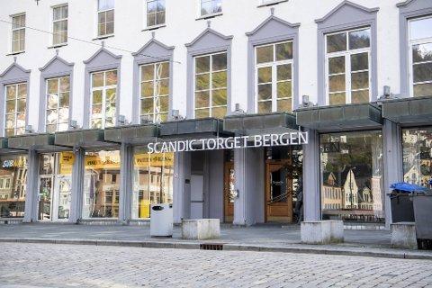 Det var flere reaksjoner etter at det ble kjent at hotellkjeden Scandic skal si opp 300 årsverk.