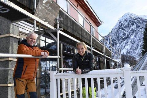 Torghandler Åge Sørensen og konen Eva har sterke bånd til Kvinnherad. FOTO: KVINNHERINGEN