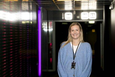 Markeds- og programsjef for Bergen Kino, Birgitte Jeeves Hammer, forteller at de skal pynte opp hele gangen inn mot KP 12 til festivalhelgen.