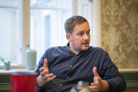 KrFs gruppeleder Håkon Pettersen mener opposisjonspolitikerne burde tenkt seg nøye om før de utsatte et viktig botilbud for de rusavhengige.
