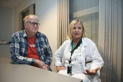Medisinsk fagsjef Trond Egil Hansen og legevaktsjef  Dagrun Waag Linchausen er enige om at helsepersonell burde få mer enn 20 prosent av vaksinene.