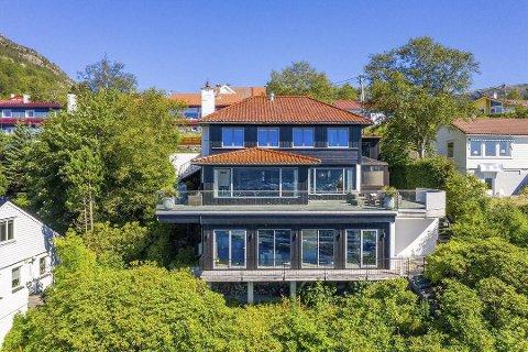 Den flotte eiendommen ble solgt for 22,5 millioner kroner.