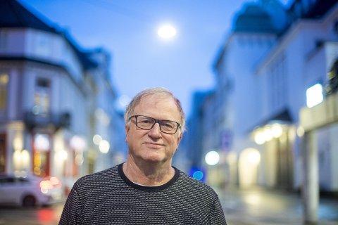MAKT: Som rådgiver for politikerne angripes medisinsk fagsjef i Bergen, Trond Egil Hansen, på flere fronter. – Jeg mener jeg har gjort stor nytte for meg, Det tror jeg dem jeg har gitt råd, også mener, sier han.FOTO: EMIL WEATHERHEAD BREISTEIN