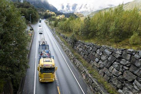 Et overveldende flertall i det lokale næringslivet mener at det er veldig viktig å bygge ny vei og bane mellom Bergen og Voss, ifølge en  undersøkelse Respons analyse har gjennomført på oppdrag fra Bergen næringsråd.