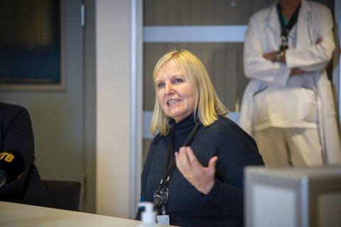 Legevaktsjef Dagrun Waag Linchausen har jobbet hardt for at alle skal teste seg når de kommer fra utlandet til Flesland.