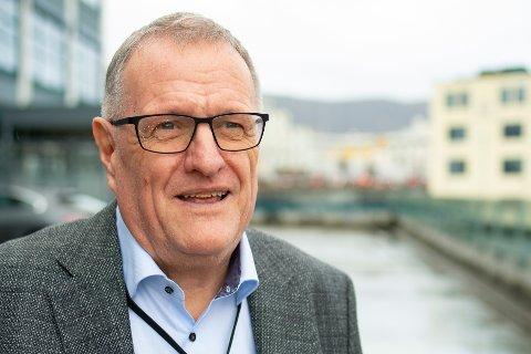 Egil Bovim er assisterende smittevernoverlege i Bergen. Han opplyser at det foreløpig ikke er kjent hvor stort omfanget av smitten fra bedehusmøter i Øygarden og Askøy er.