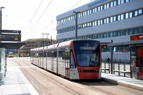 Hvor skal Bybanen gå? I høst skal bystyret velge mellom Bryggen, tunnel eller kanskje noe helt annet.