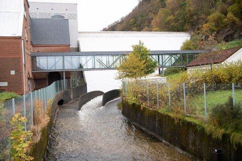 I september var kun halvparten av Svartediket vannbehandlingsanlegg fylt med vann. Nå er det fylt til randen.