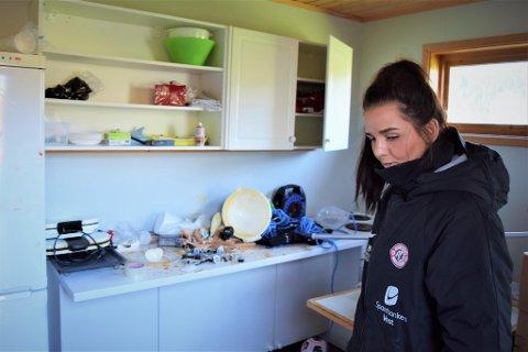 Karoline Thorsvik, Arna-Bjørnars sportssjef for breddefotballen, oppdaget hærverket mandag morgen.