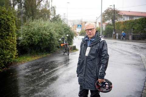 Helge Tveit tok kontakt med kommunen etter returpunktet, som lå til venstre i bildet, ble fjernet.