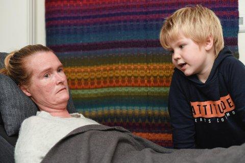 Isak (6) har aldri hatt en frisk mamma. Nå kjemper Vivian Brosvik for å få beholde BPA-ordningen hun har hatt i fem år.