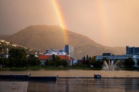Det blir fint vær i Bergen søndag og mandag. Så får vi det velkjente lavtrykket tilbake over byen.