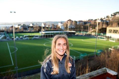 Ingrid Ryland blir værende i Sandviken. Hun har skrevet under på en ny ettårsavtale, men vil gjerne spille i mange år til.