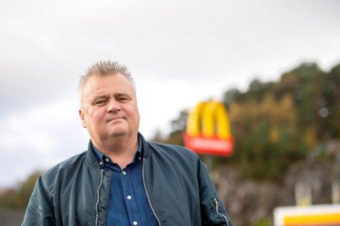 Jørn Eggum er leder for det nest største forbundet i LO, Fellesforbundet. Han misliker sterkt hvordan ansatte ved flere McDonald's-restauranter i Bergen har hatt det på jobb.