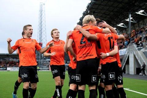 Åsane vant 3-0 hjemme mot KFUM Oslo. Dermed kan de trolig glemme alt som heter nedrykk, og jakte en ny opprykkskvalik denne høsten.