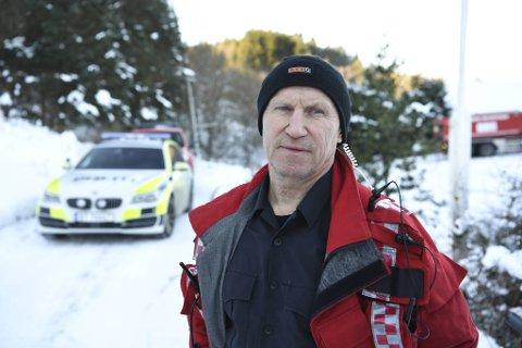 Trond Totland i brannvesenet forteller at det var litt utfordringer med å få brannbilene frem til stedet.