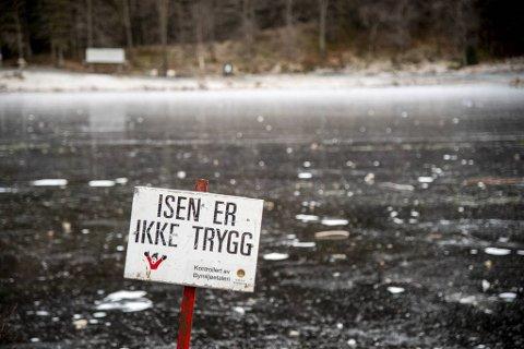 Både kommunene og politiet advarer mot å ferdes på isen nå når mildværet har kommet for alvor.