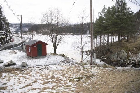 Her ser vi vannveien til Arna Kraftselskap ved Gaupåsvannet.