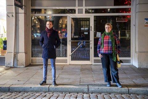 René Bjorheim og Jenny Ellefsen er to av initiativtakerne til Haus of Friele.  Et rom for alle som vil drive med drag i Bergen. Under pandemien stoppet oppoverbakken.