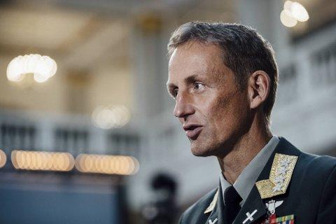Forsvarssjef, Eirik Kristoffersen, sier det gjenstår mye arbeid i Forsvaret for å få bukt med mobbing og seksuell trakassering.