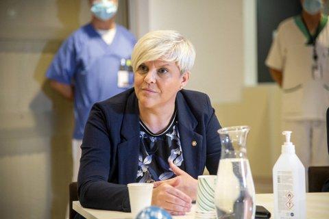 Helsebyråd Beate Husa (KrF) svarer på BA-lesernes spørsmål om koronasituasjonen.